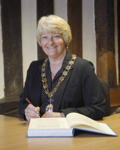 Mayor Lyn Fowler