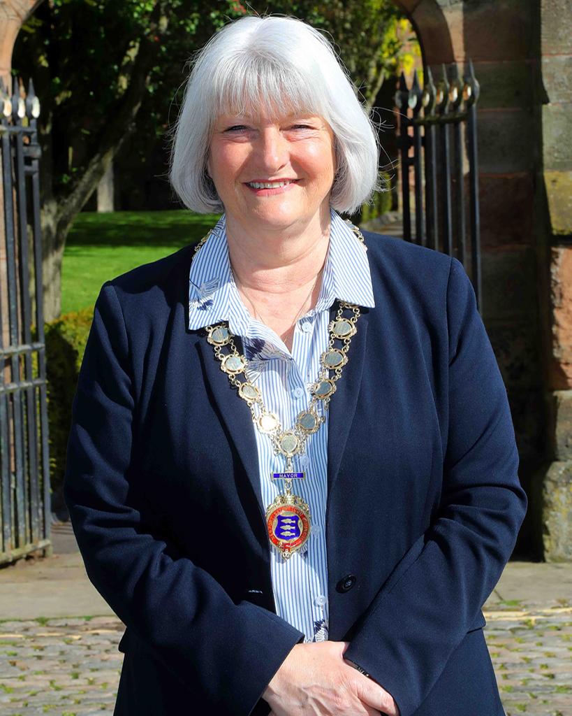 Councillor Lyn Fowler Mayor